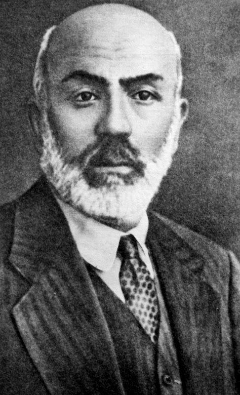 Mehmet Akif Ersoy.
