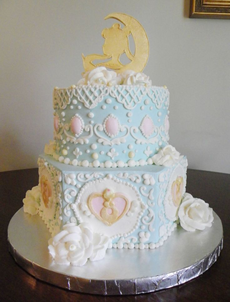 Rococo Sailor Moon Cake http://www.reddit.com/r/sailormoon/comments/25mflj/a_buttercream_rococostyle_sailor_moon_cake_i_made/
