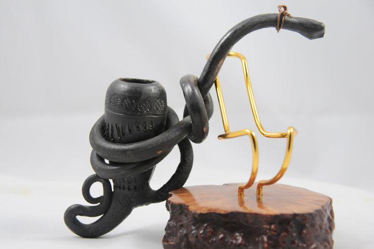 Pipa in terracotta creata da J.M. Alberto Paronelli