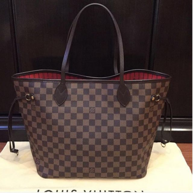 Like new LV Neverfull MM Damier 2012With dustbag9jthttps://www.instagram.com/authenticnlimited/WA/LINE : 081330772818