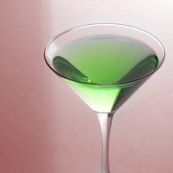 Green apple martini - appletini | Apple theme party | Pinterest