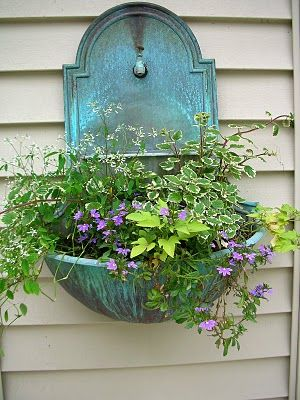 Garden Thyme with the Creative Gardener: Colorful Flowers Combinations for Containers