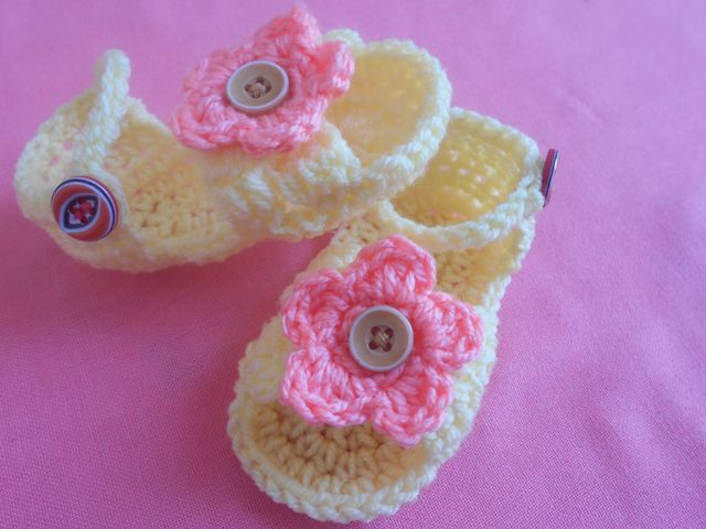 this free baby sandals crochet pattern is a cute and quick crochet project for baby shower gifts birthdays and more these little crochet shoes are the