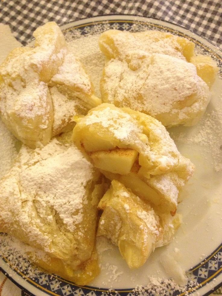 apple and ginger puff pastry :)  sfoglie veloci con mele e cannella