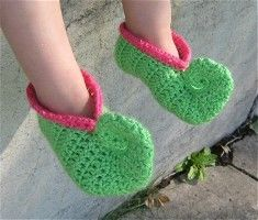 Crochet elf slipper and other holiday treats!