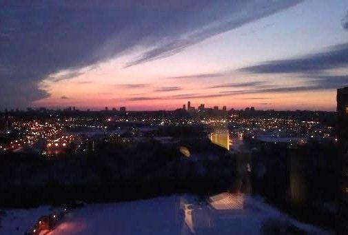 Торонто.  Розовая  птица  в  небе.  22. 02.2015. 18:30. Фото  Ирины  Соколовой.