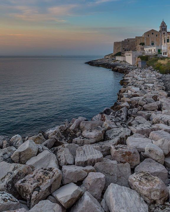 Sunset in Vieste - Puglia  #vieste #puglia #italy #italia #travel #beautifulview #rocks #sunset #chuch #buildings #sea #seascape #beautifuldestinations #amazingview #city #ig_italia #ig_puglia #pugliagram #mss http://ift.tt/2cmTKhs