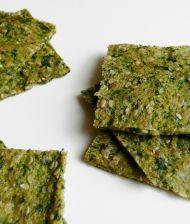 Zeleninové krekry - cuketa a rukola rozmixovaná s lněnými a sezamovými semínky