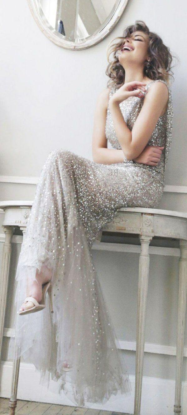 Jolie robe de soirée brillante