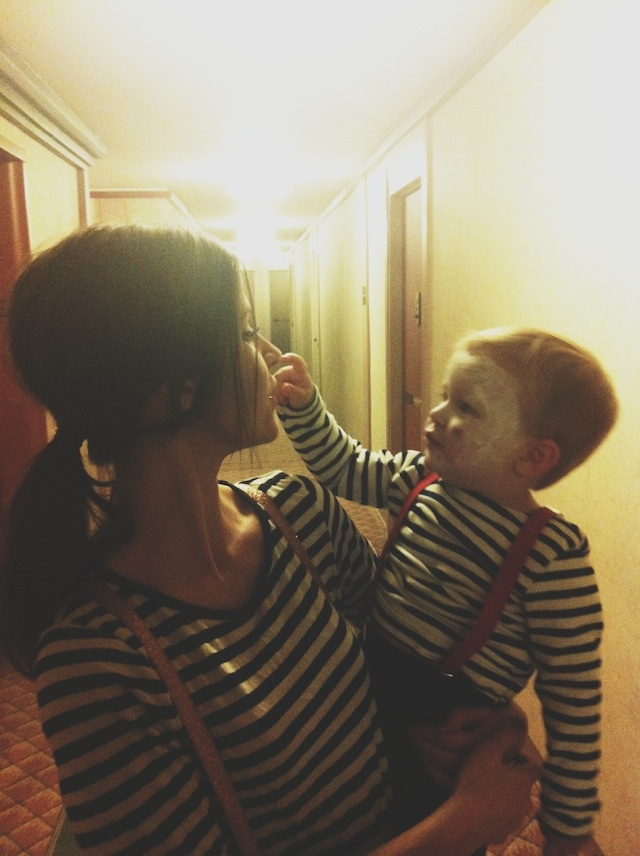 mime costumes... So doing this with my son one day!!