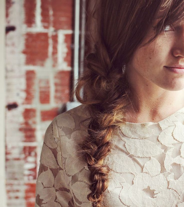 How To Style A Messy Braid   ~~~ Why hello new summer hair-do!  Rocked this one multiple times already!~~~