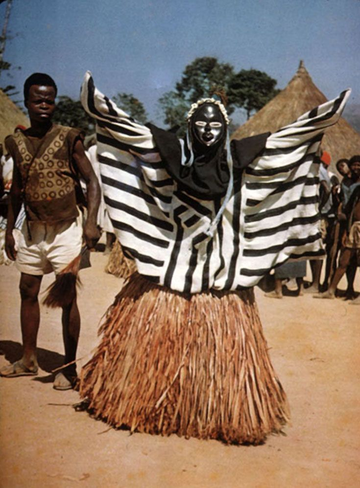 "Africa | ""Masque cérémonial"" N'zo, Guinea. post stamped 1967 