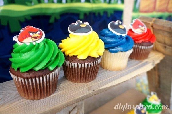 A Guide to the ULTIMATE DIY Angry Birds Party- with 7 DIY tutorials for decorations, games, free printables, and more!