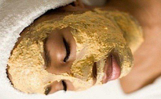 Маска от морщин с морковью и сметаной http://fito-center.ru/terapii/fito-kosmetika/62524-maska-ot-morschin-s-morkovyu-i-smetanoy.html  Эта маска устраняет не только мимические морщинки, но и уменьшает глубокие на лице и шее. Также твоя кожа станет мягкой и гладкой, практически как у младенца!