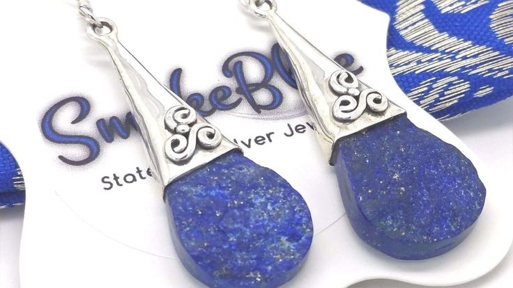 An Unusual And Elegant Pair Of 925 Sterling Silver Drop Dangle Earrings Set With Two Beautiful Raw Rough Lapis Lazuli Gemstones