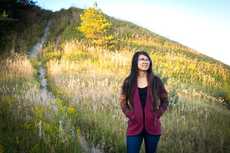 A visit to Boyne Valley Provincial Park, catching some late summer rays in my burgundy upcycled cardigan sweater.