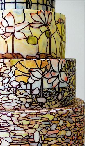 Beautiful Tiffany-style wedding cake by Maggie Austin