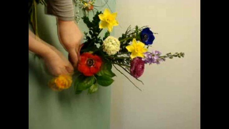 Fehlen Dir die kleinen Tricks? Blumen Dekoration: Blumengesteck selber machen. Deko Ideen mit Flora-Shop