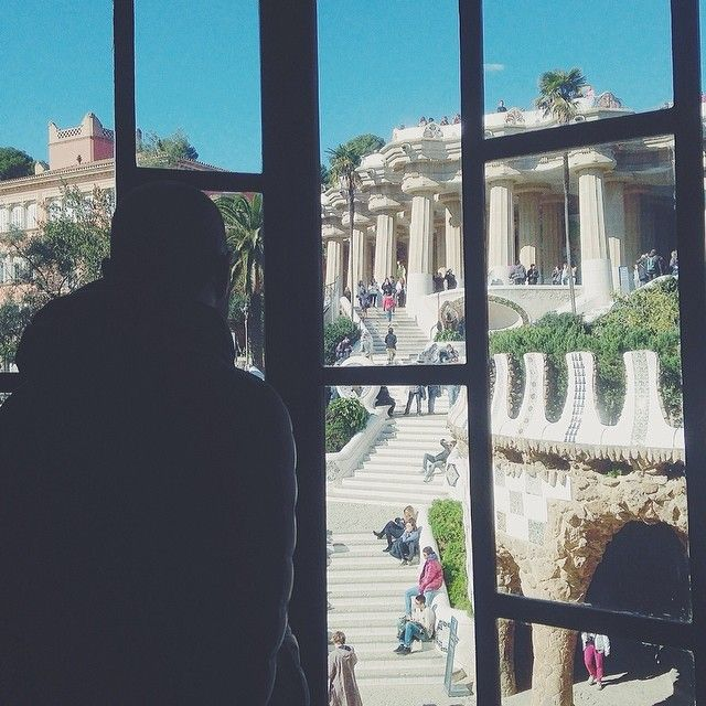 Looking from a window above, it's like a story of love. Can you hear me? Parc Güell, #Barcelona