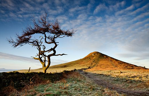 roseberry topping, north york moors - photography by John Patrick - via http://bit.ly/epinner