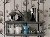 Un idea salva spazio per la cucina. L'utilizzo delle mensole