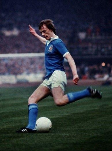 Peter Barnes Manchester City 1976