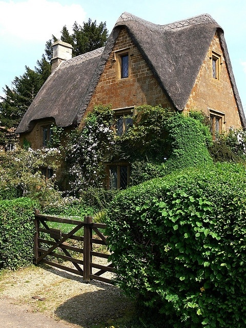 Lovely cottage in Great Tew in Oxfordshire England.
