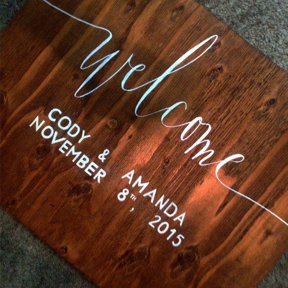 Blij met uw familie en vrienden voor uw rustieke/bosachtige/boho/bruiloft met deze elegante en eenvoudige welkom teken. Compleet met de namen