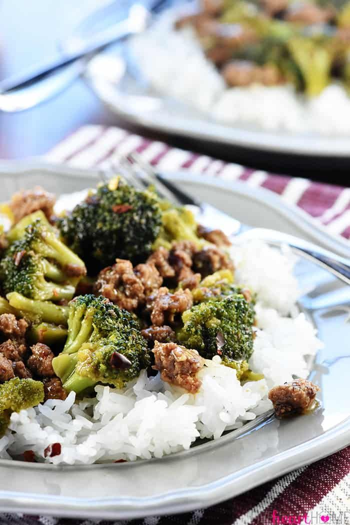 Healthy Ground Beef And Broccoli Is A Quick And Easy Skillet Recipe That Comes Together In 15 Min Ground Beef And Broccoli Healthy Ground Beef Broccoli Recipes