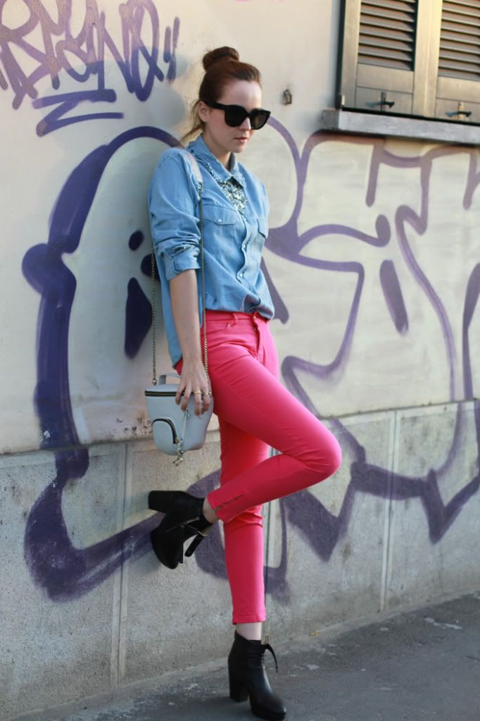 Pants: ZARA Denim shirt: ACNE Necklace: MANGO Boots: ACNE ...