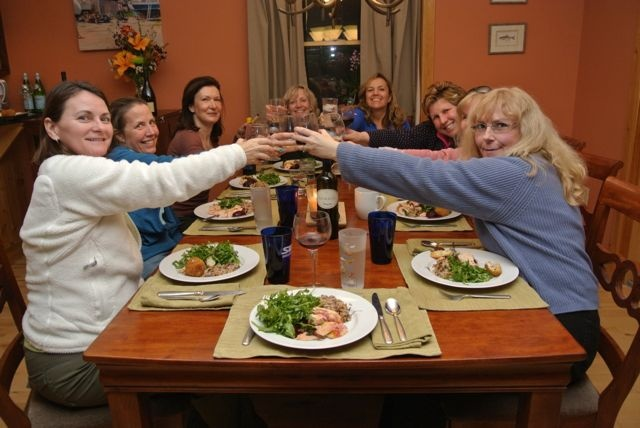 We toast our wonderful meal! Cooking classes with Italiaoutdoors.
