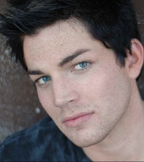 He looks so much better without all that make-up & hair crap. Ugh why are you gay?! Adam Lambert <3