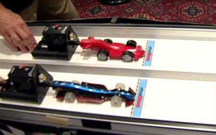Συναρπαστική εκπαιδευτική εμπειρία F1 in Schools   Το F1 in Schools είναι μια συναρπαστική εκπαιδευτική εμπειρία που μπορεί να καθορίσει την επαγγελματική σταδιοδρομία των μαθητών καθώς ανακαλύπτουν την Φυσική τις Νέες Τεχνολογίες την Μηχανική και τα Μαθηματικά μέσα από τον σχεδιασμό και την κατασκευή μικρών μοντέλων F1 αυτοκινήτων τα οποία είναι από ειδικό υλικό και κινούνται με φυσίγγια πεπιεσμένου αέρα. Στη συνέχεια οι μαθητές συναγωνίζονται σε αγώνες που γίνονται σε Τοπικό Περιφερειακό…