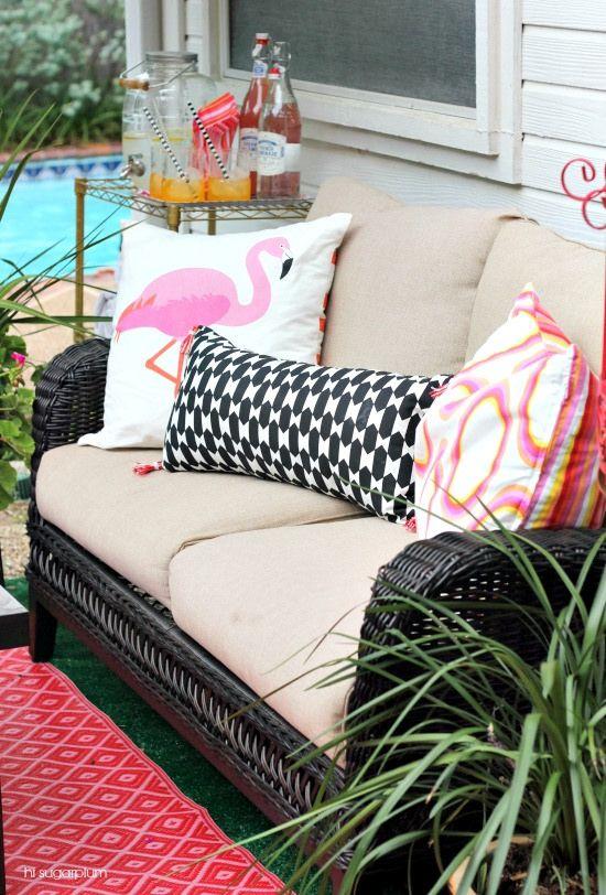 Every patio needs a pink flamingo! eclecticallyvintage.com