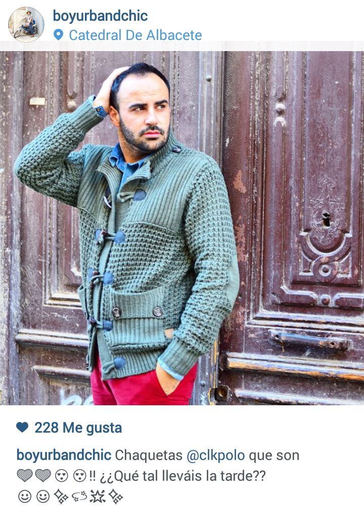 José Héctor de www.boyurbanchic.com, estupendo como siempre, con su abrigo CLK Polo. ¡Nos encanta!