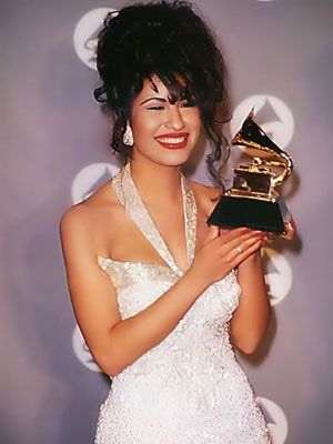 Latino Grammy Award Winners  Selina