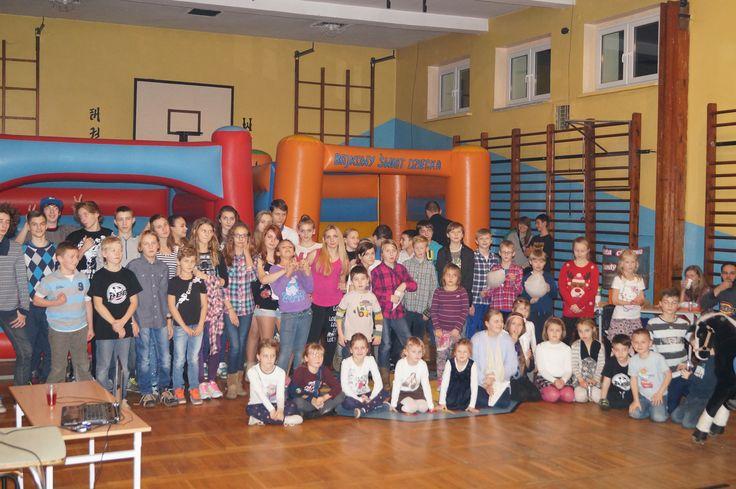 Świąteczne spotkanie członków Stowarzyszenia Miłośników Sztuk Walki LEO wraz z rodzinami