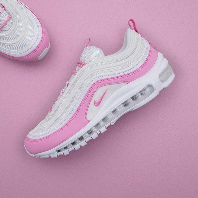 Nike Vita och rosa Air Force 1 träningsskor White psychic