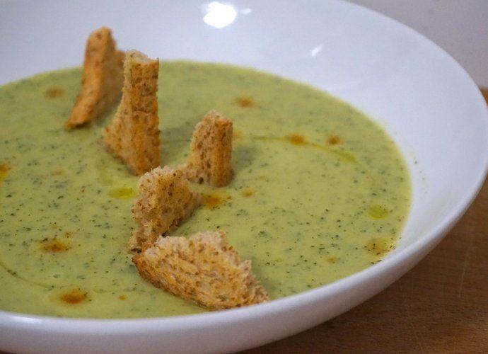 Crema de calabacín con yogur y tabasco para #Mycook http://www.mycook.es/cocina/receta/crema-de-calabacin-con-yogur-y-tabasco