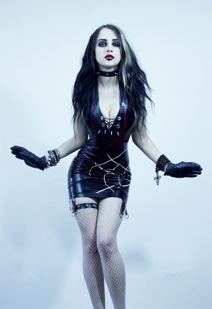 """""""Will you walk into my parlour?"""" said the Spider to the Fly. (Dark Elise dress by Ausrie Fel)"""