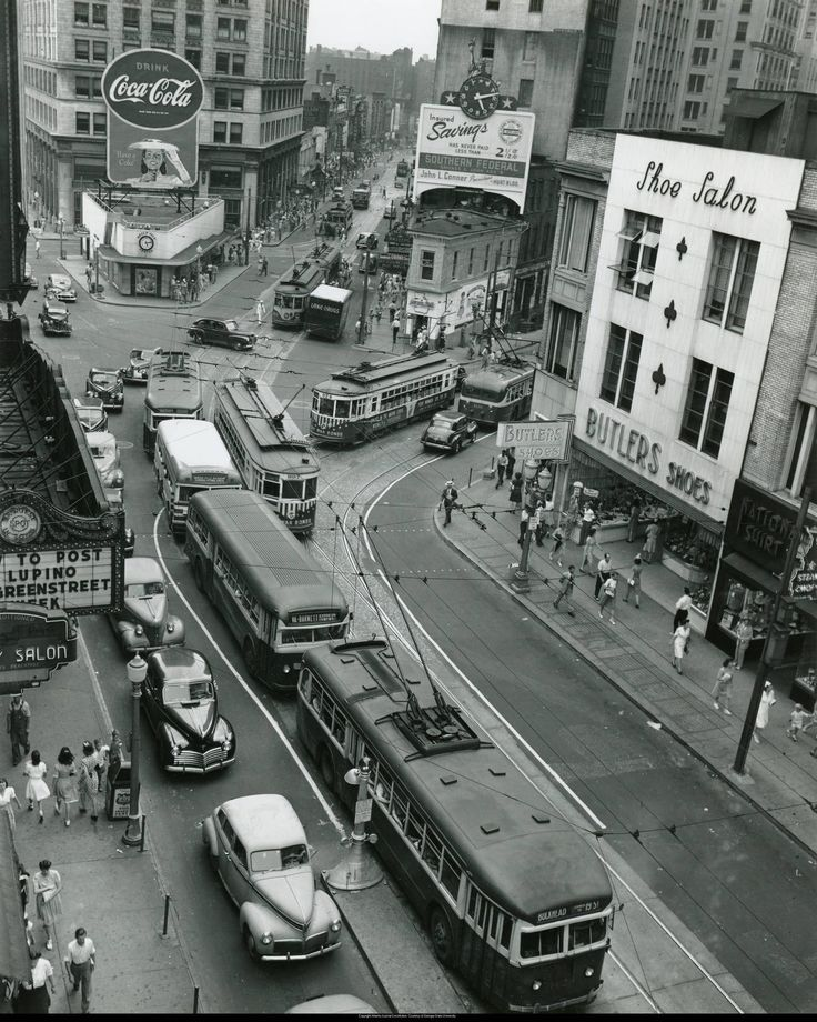 Intersection of Peachtree and Forsyth Streets at Five Points in Atlanta, 1945.