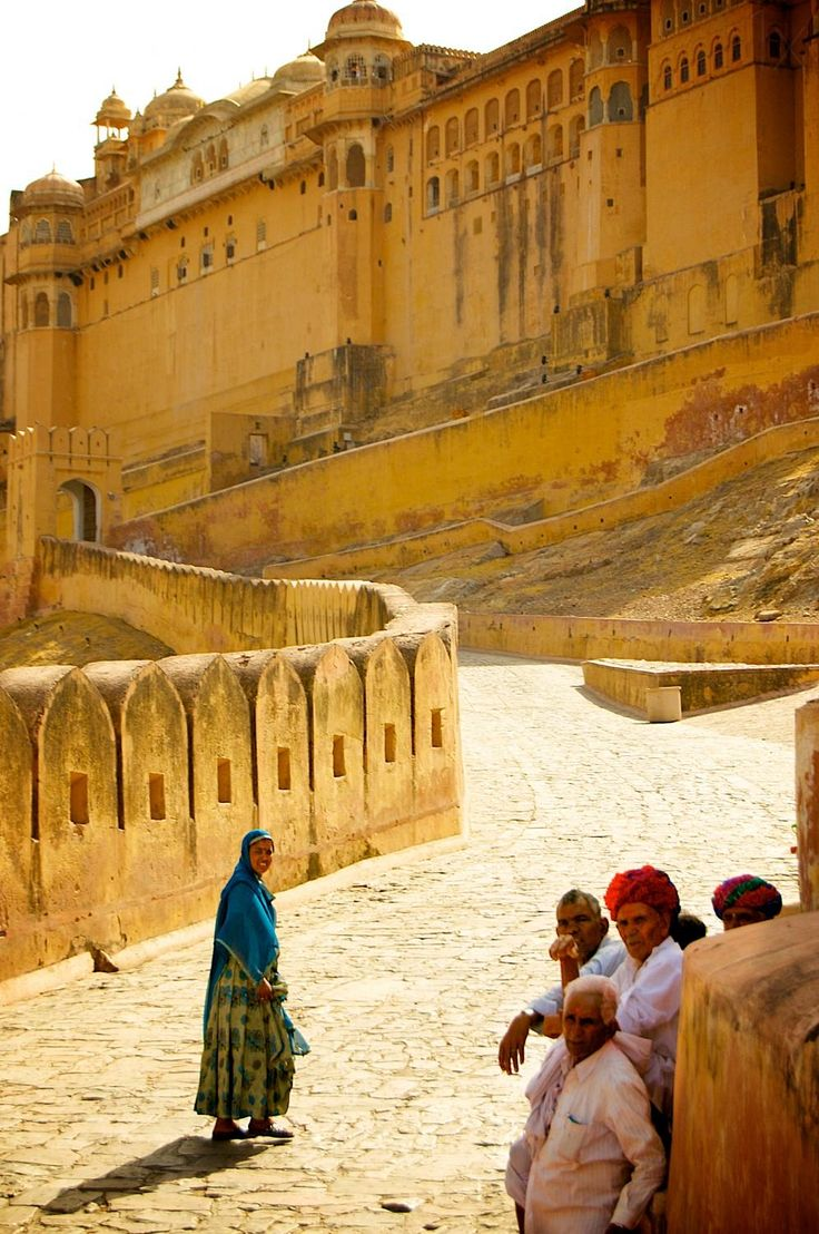 To the fort - Jaipur, India | by © Julie Durieux | via scentofscenesoflife