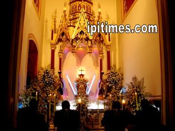 Monumento Iglesia San Felipe Neri, Viernes Santo. Semana Santa 2005 en Ipiales, Nariño, Colombia, por Artur Coral.
