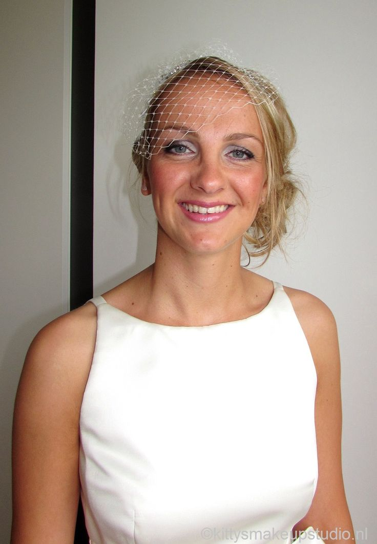 Blondes have more fun, also on their weddingday!