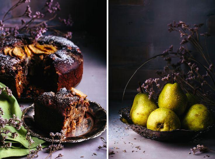Пирог с грушами, миндалем, тахини и специями