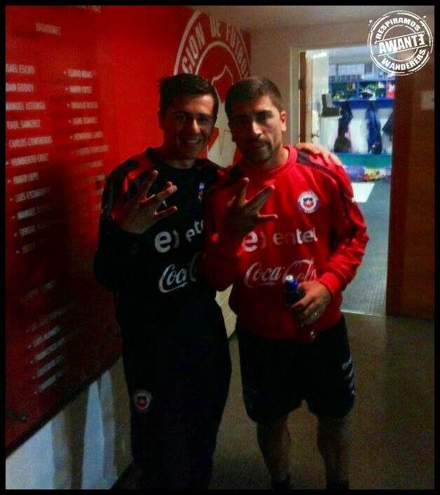 David pizarro con Franco Ortega jugador de la cantera de Wanderers