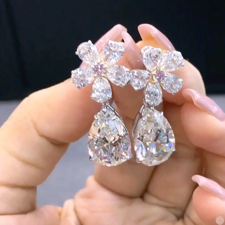 """Mia Moon Bahrain (@miamoon.jewellers) on Instagram: """"Th perfect diamond drops with detachable flower as a stud and pink diamond!"""