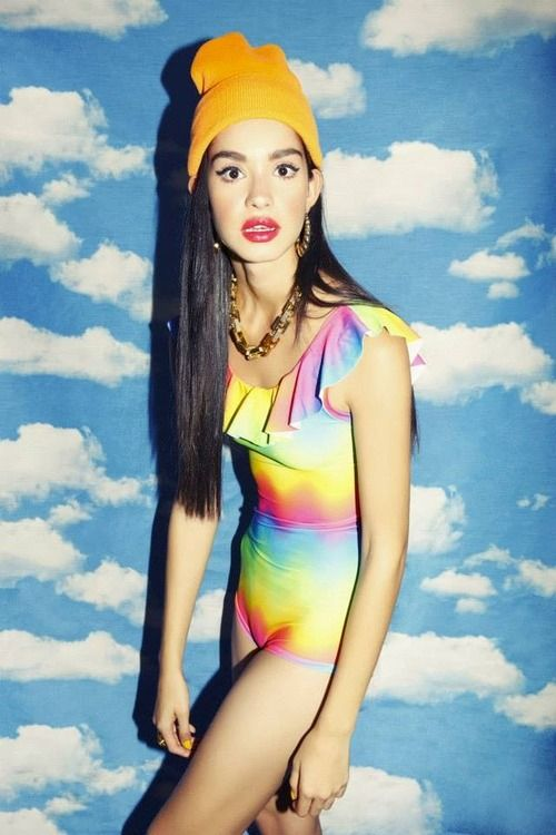 #studio #background #sky #girl #model #colorful #swimsuit #hat #summer #spring #nailart #jewerly