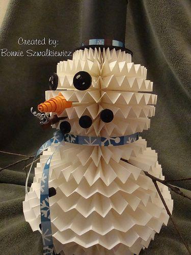 3-d Paper Rosette Snowman    http://www.archiversonline.com/ideas/home-decor-rosette-snowman-3414