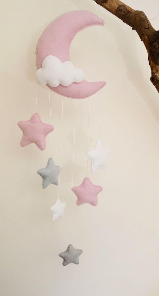 Mond und Sterne Kinderzimmer Dekor (silbergrau, pink, weiß)